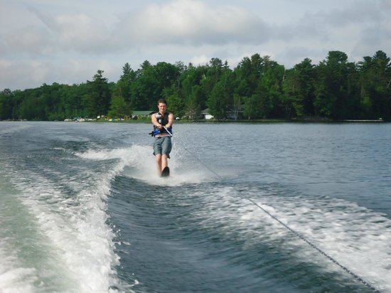 Dillman's Bay Resort: Good lake for boating activities