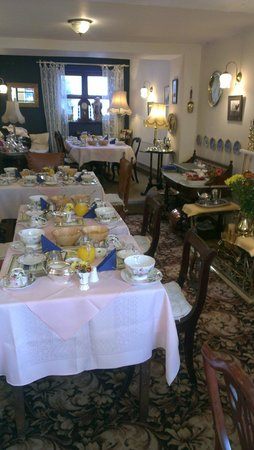 Ben View House: Proper Breakfast Tables