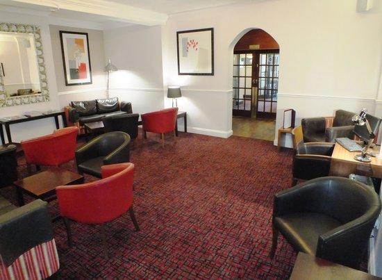 Best Western Plus Ullesthorpe Court Hotel & Golf Club: Lounge Area
