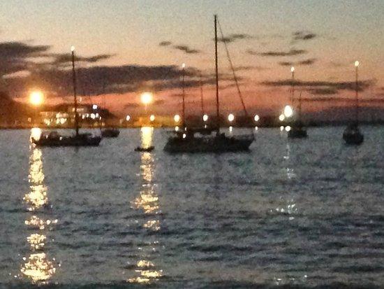 Restaurant le Marinella : la vue depuis notre table sur la plage!