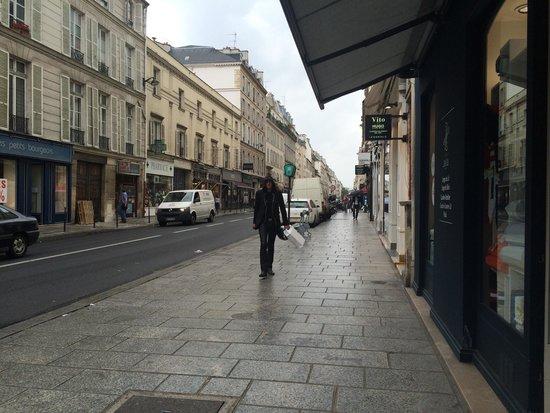 Le Marais: 파리답지 않은 여유롭고 한가로움 골목
