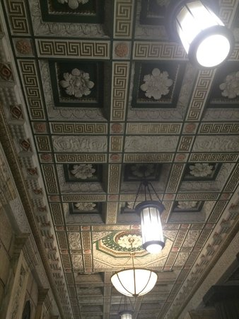 Pacific Hotel: Lobby Ceiling