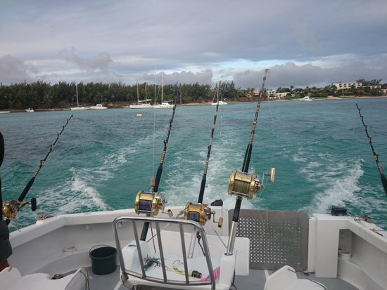 Le Performant Sport Fishing: Leaving the bay