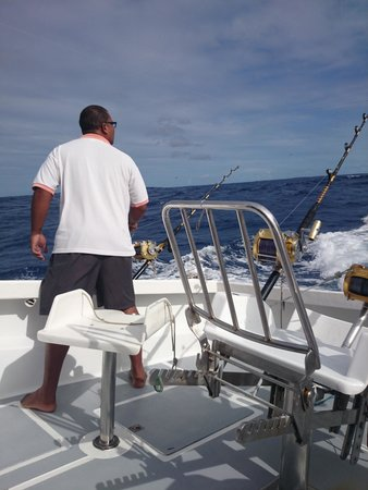 Le Performant Sport Fishing: The crew working the lures