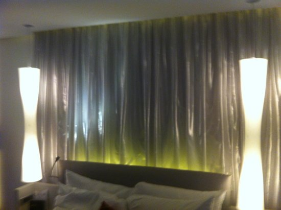 W London Leicester Square: chambre
