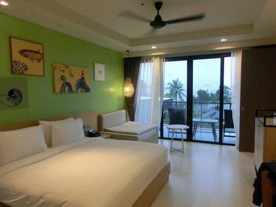 Holiday Inn Resort Krabi Ao Nang Beach : Huge and spacious room (pool facing room)