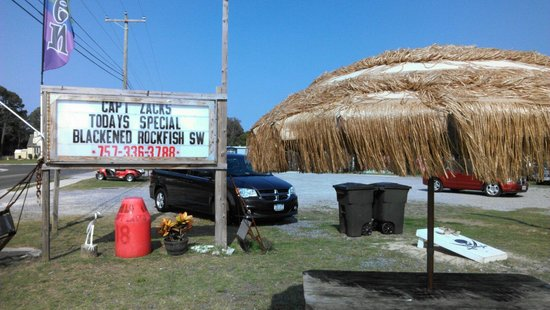 Captain Zack's Seafood: Signage