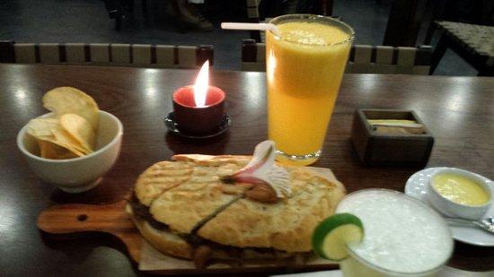 Morena Peruvian Kitchen: Café Morena; sin lugar a dudas es la perfecta combinación de comida deliciosa, buenísima atenció
