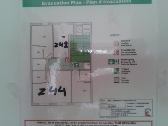 Famosa Hotel : The safety card was from another room