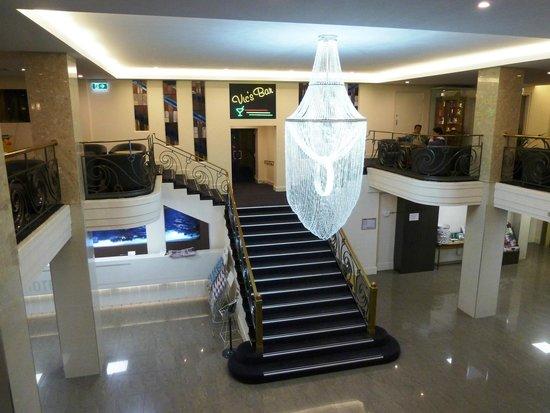 The Victoria Hotel: The Foyer