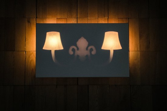 Odessa Club & Restaurant : Dining room wall light