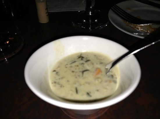 Mike's Cafe & Grille: Famous chicken soup