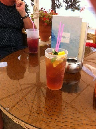 Ikos Oceania : Perfect Pimms at the beach!