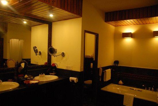 Dwarika's Hotel: 自家発電でお湯が出る