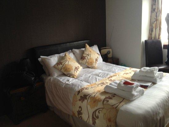 Argyll Hotel : Habitación cómoda y limpia