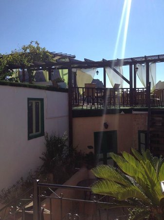 Xenones Lindos: Roof terrace