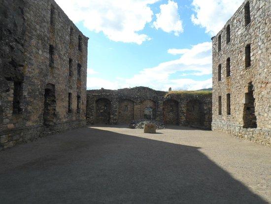 Ruthven Barracks: Center area of the Barracks