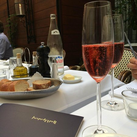 borchardt: Good start with the Champagne Rosé but.....