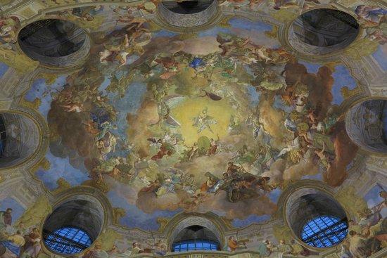 Prunksaal der Österreichischen Nationalbibliothek: Afresco na cúpula central