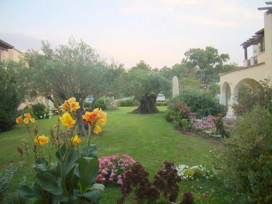 Uno dei tanti bellissimi giardini dell 39 hotel foto di - Giardini bellissimi ...