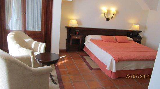 Hotel Los Cerezos: lit