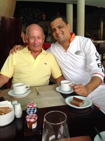 The Reserve at Paradisus Palma Real: Pedro desayunando con Bruno