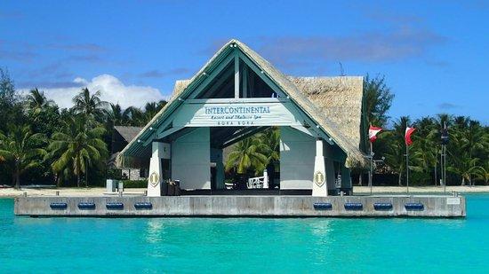 InterContinental Bora Bora Resort & Thalasso Spa: Le ponton d'arrivée et malheureusement de départ