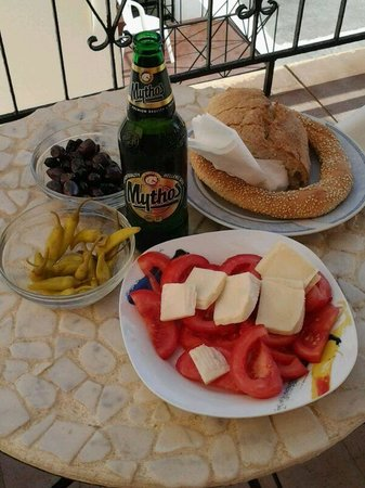 Mercato Agora di Chania : Cena in terrazza con prodotti mercato