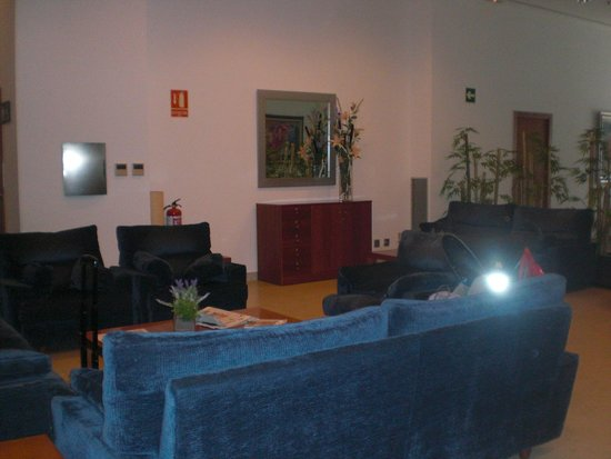 Tryp Valencia Oceanic Hotel: Lounge