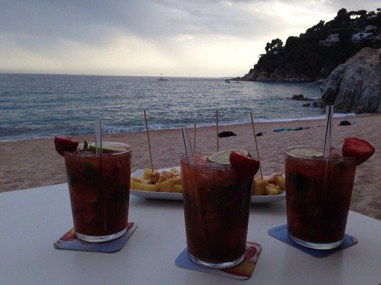 Playa de Lloret: Drinking amazing Margarita and watching sunset