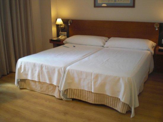 Tryp Valencia Oceanic Hotel : Perfecte bedden