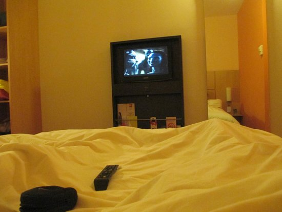 Ibis Buenos Aires: tv do quarto, ótima