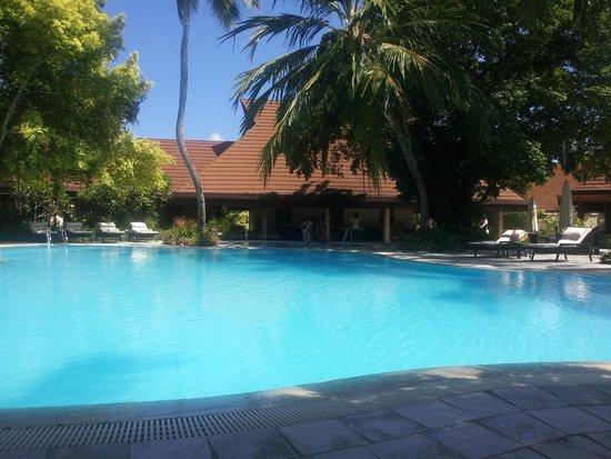 Kurumba Maldives: Pool area