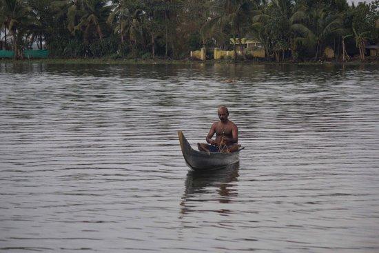 Kerala Backwaters: Cranky fisherman
