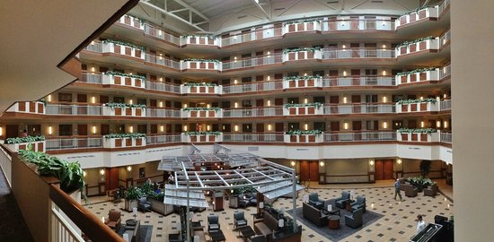 Embassy Suites by Hilton Dulles - North/Loudoun: Nice view into the centre of the hotel
