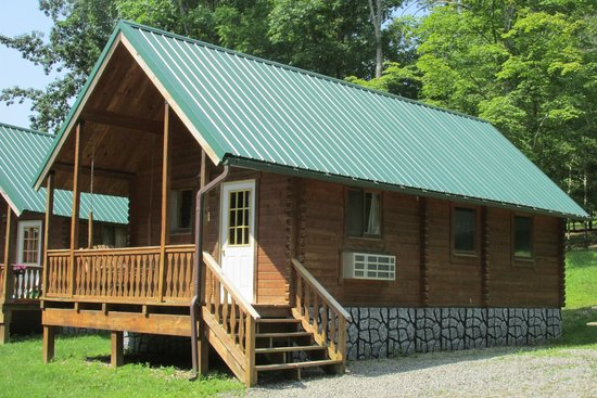 Rocky Fork Ranch Resort: Different kinds of cabins on the resort.