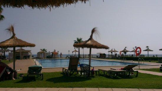 Sol Beach House Menorca: Poolside