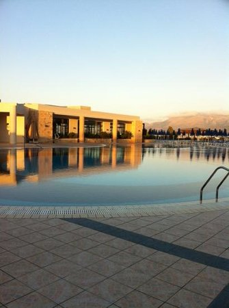 Grand Hotel Holiday Resort : main pool in the evening
