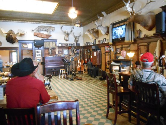 The Historic Occidental Hotel & Saloon and The Virginian Restaurant: The Occidental Hotel & Saloon