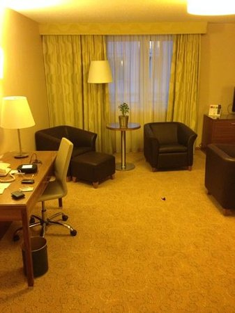 Vienna Marriott Hotel: Junior Suite 2. Sitzecke