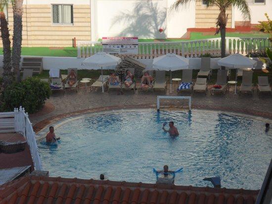 Anastasia Beach Hotel: Pool