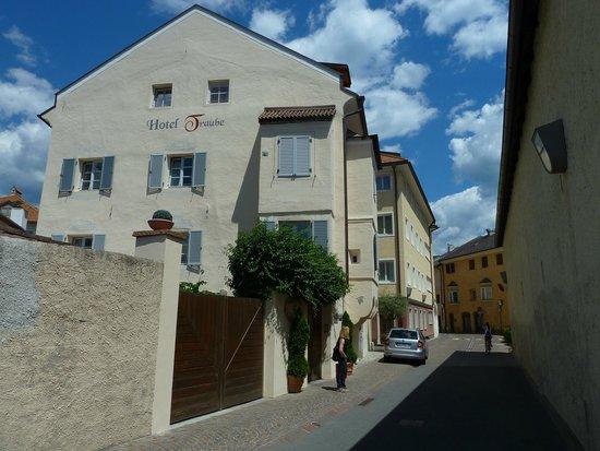Hotel Traube & Residence : street view
