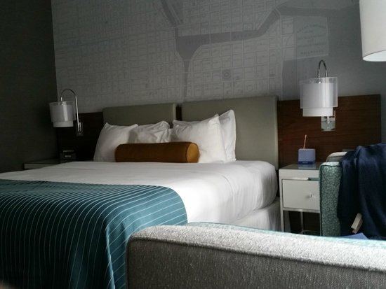 Kinzie Hotel: Bed