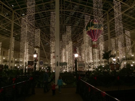 Gaylord Opryland Resort & Convention Center: Christmas decorations