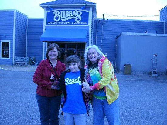 Bubba's Seafood Restaurant: At Bubba's with Family from Ohio