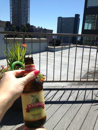 Belltown Inn : Rooftop patio