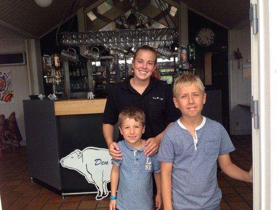 Den Blaa Café : Betjeningen fejler bestemt ikke noget!!