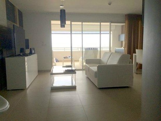 Hotel Baie des Anges : Coquille suite living area