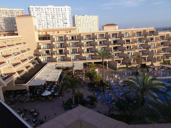 ClubHotel Riu Buena Vista: Hotel et cour