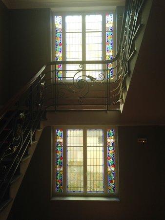 Ibis Lyon Centre Perrache: Art Nouveau staircase